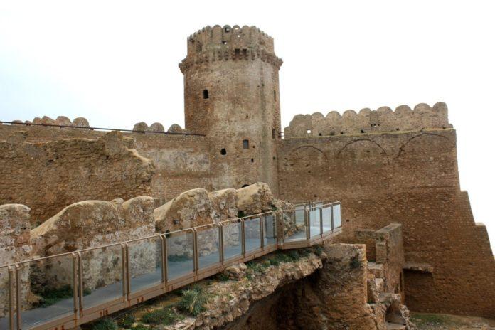 Castello Aragonese, Le Castella
