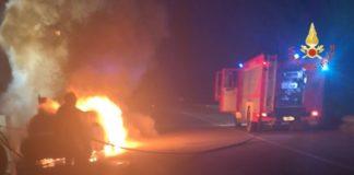 Vigili del Fuoco - incendio autovettura comune di Girifalco (Catanzaro)