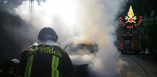 auto in fiamme Copanello