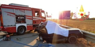 incidente stradale ss 106-min