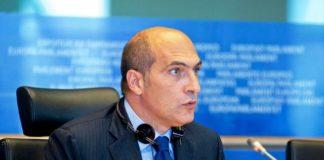 Andrea Cozzolino-min