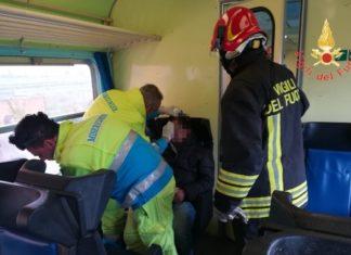 Roccabernarda: tromba d'aria investe treno