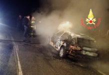 auto in fiamme Vallefiorita