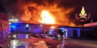 incendio capannone Catanzaro