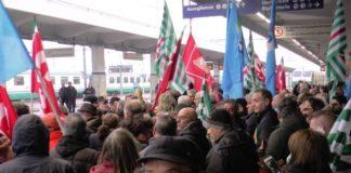 LSU LPU occupano stazione centrale Lamezia