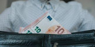 italiani, risparmi e conto in banca