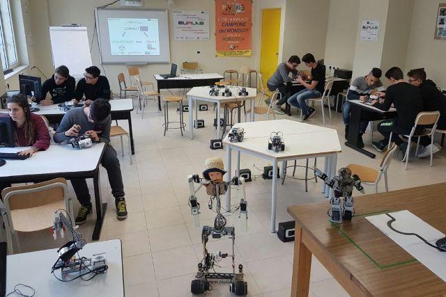 laboratorio robotica ITI MONACO Cosenza