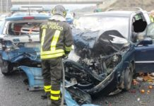 pattuglia Polstrada tamponata incidente A2