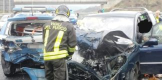 pattuglia Polstrada tamponata incidente A2
