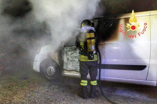 incendio furgone