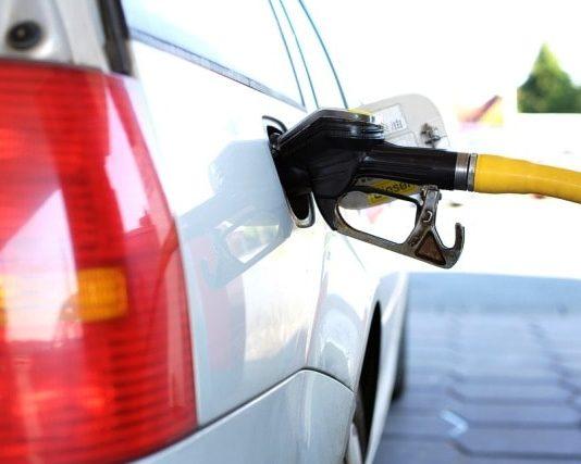 Benzina, carburante, stazione di servizio