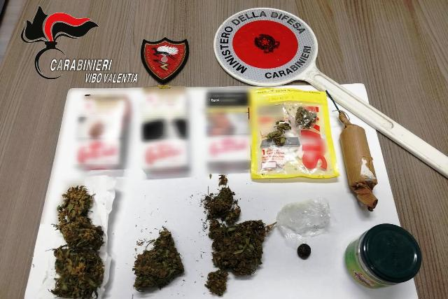 Carabinieri Vibo marijuana e hashish, deferiti due fratelli
