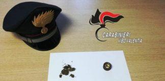 carabinieri vibo valentia coltello e droga in auto