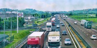 Autostrada, traffico, esodo