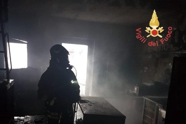 incendio laboratorio Sersale