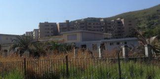 stabilimento semi-abbandonato
