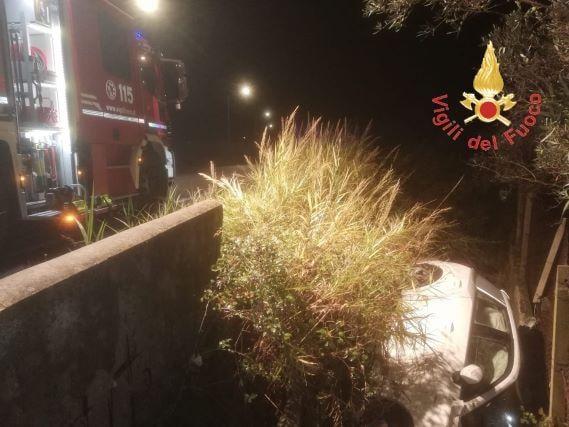 incidente stradale intervento vigili del fuoco-min