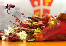 Fiori donati ai Carabinieri di Vibo Valentia in segno di gratitudine per l'operazione Scott Rinascita-min