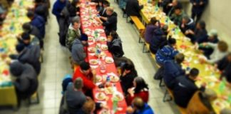 Cento pizze per il pranzo di vigilia ai più bisognosi