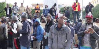 rivolta migranti porto di Gioia Tauro