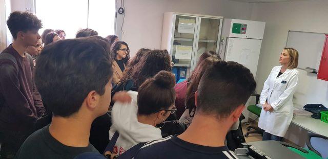 Visita degli studenti del Liceo Fermi di Catanzaro nei laboratori Arpacal