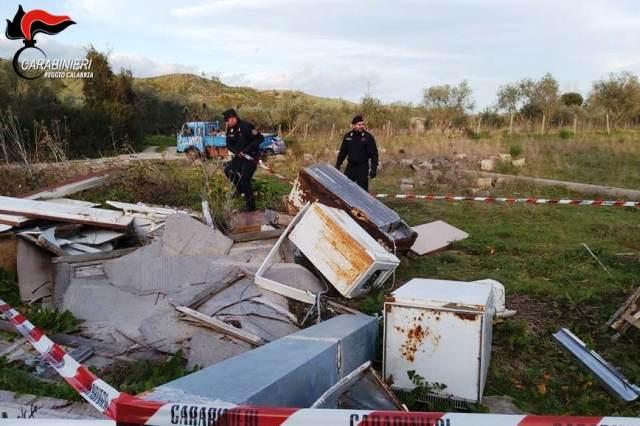 Carabinieri, rifiuti senza autorizzazione