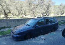 auto senza gomme al centro di Viale Isonzo