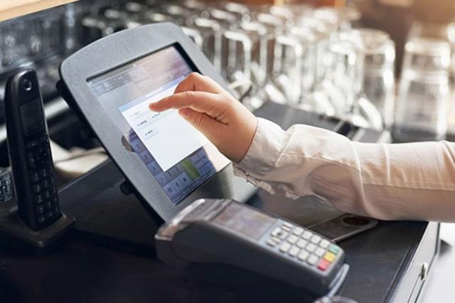 commessi, attività di vendita, registratore di cassa