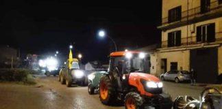 Trattori agricoltori Coldiretti che sanificano