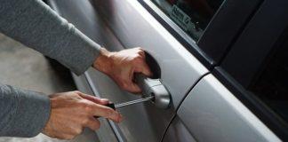 furto, auto, scasso (foto archivio)