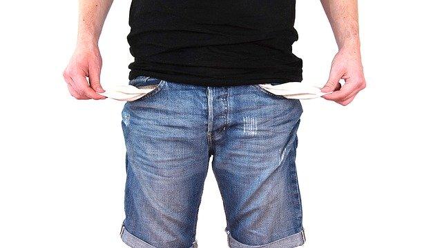 senza soldi, povertà, crisi economica