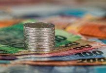 Banche, soldi, moneta, prestiti, economia (foto archivio)