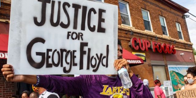 Giustizia per George Floyd: «I can't breathe» | CalabriaMagnifica.it