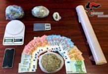 4 africani arrestati dai Carabinieri per spaccio di marijuana.