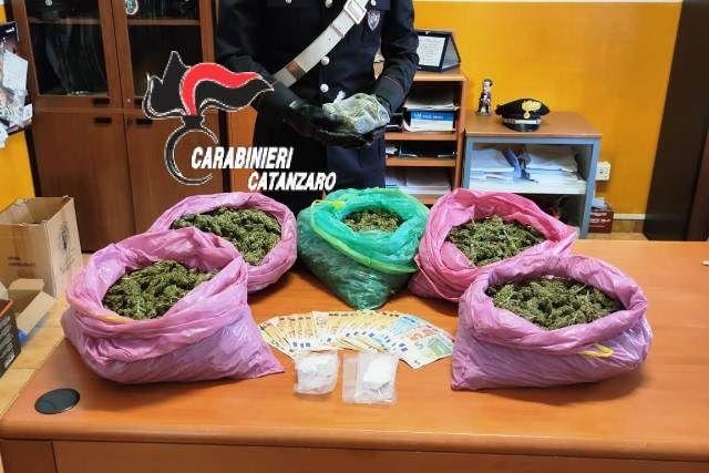 carabinieri Catanzaro arresto per droga