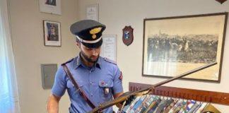 Carabinieri Catanzaro, donna arrestata per detenzione illecita armi