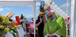 Il Vescovo Mons. Francesco Milito benedice la Piana di Gioia Tauro dal Monte Cucudo