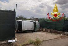 Lamezia Terme auto ribaltata Vigili del Fuoco