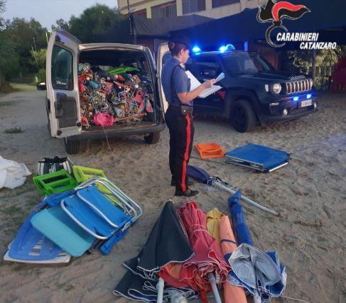 controlli in spiaggia Carabinieri Catanzaro