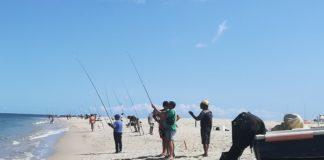 Pesca sulla spiaggia di Soverato