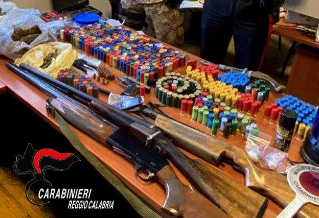 Siderno, arresto per armi e droga, Carabinieri Reggio Calabria