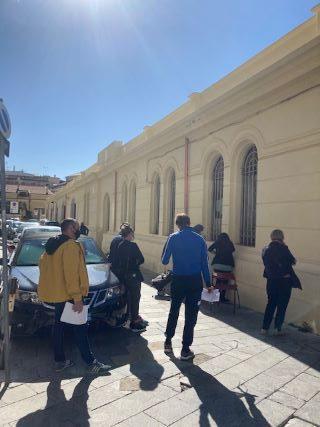 buoni spesa, in fila a Catanzaro