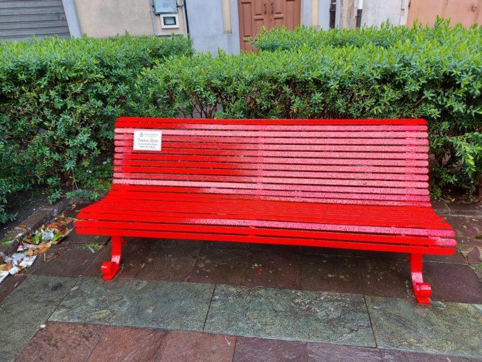 panchina rossa Cittanova
