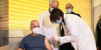 Vday: primo infermiere vaccinato in Calabria