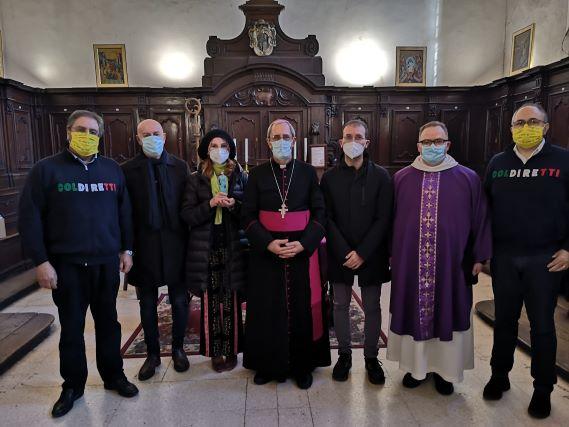 La Consegna all'arcivescovo mons. Francesco Nolè