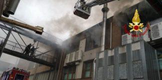 Incendio capannone Paola, Vigili del Fuoco