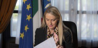 Il Sottosegretario alla Difesa Senatrice Stefania Pucciarelli