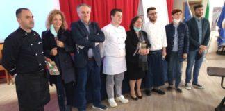 Alberghiero VIlla San GIovanni, dirigente Carmela Ciappina al centro con lo staff di formazione