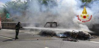 Incidente Castrovillari, Camper distrutto dalle fiamme