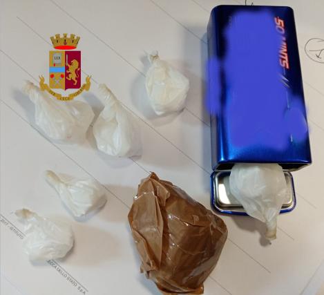 Polizia Cosenza, droga sequestrata